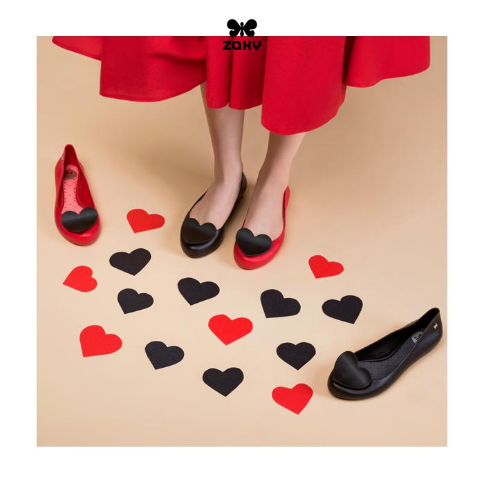 Czerwone baleriny gumowe z sercem ZAXY POP HEART FEM 82002
