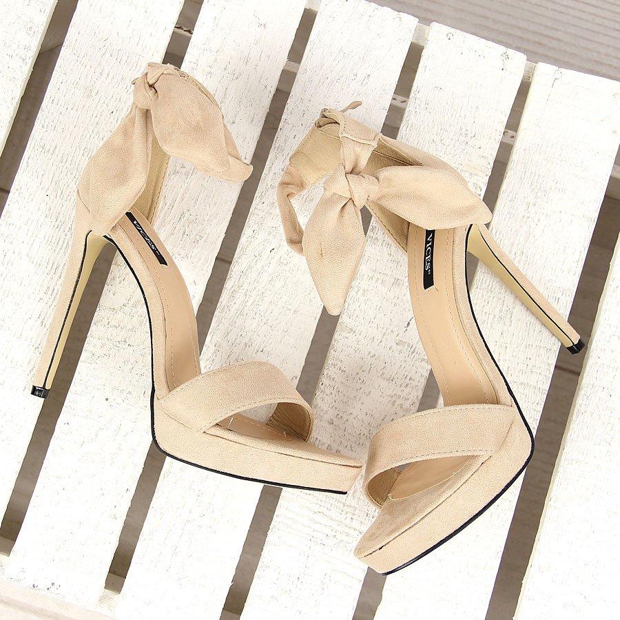 Beżowe sandały szpilki na platformie kokardka Vices